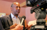 Ben Carson's Humility Upstages Donald Trump