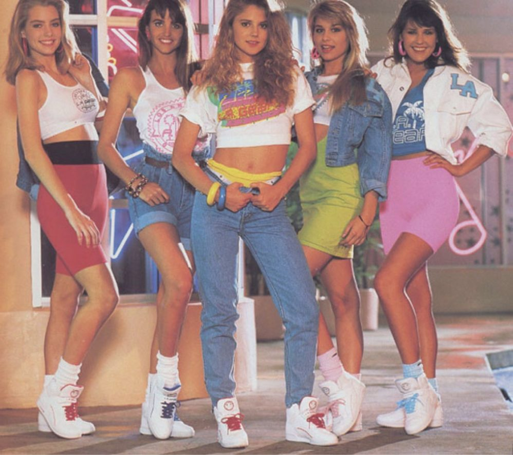 20 Horrible Fashions From The '80s And '90s That Are Back To Haunt Us