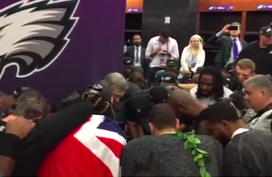 Watch The Philadelphia Eagles Take A Knee And Pray After Super Bowl Win