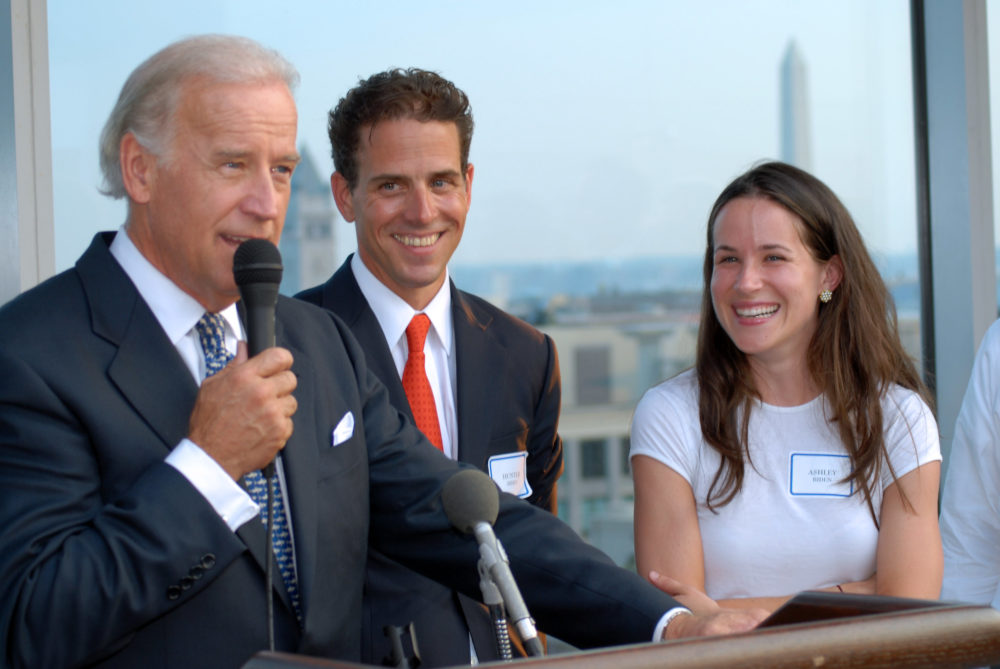 E Mails Confirm Hunter Biden Used Joe Biden S Vp Perch To Shake Down Corrupt Foreign Oligarchs For Cash