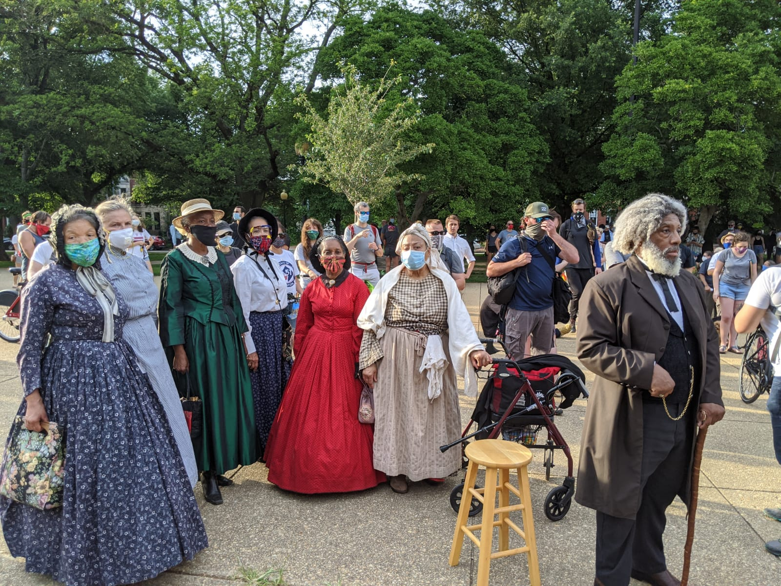 Reenactors gather to speak. Photo by Christopher Bedford/The Federalist.