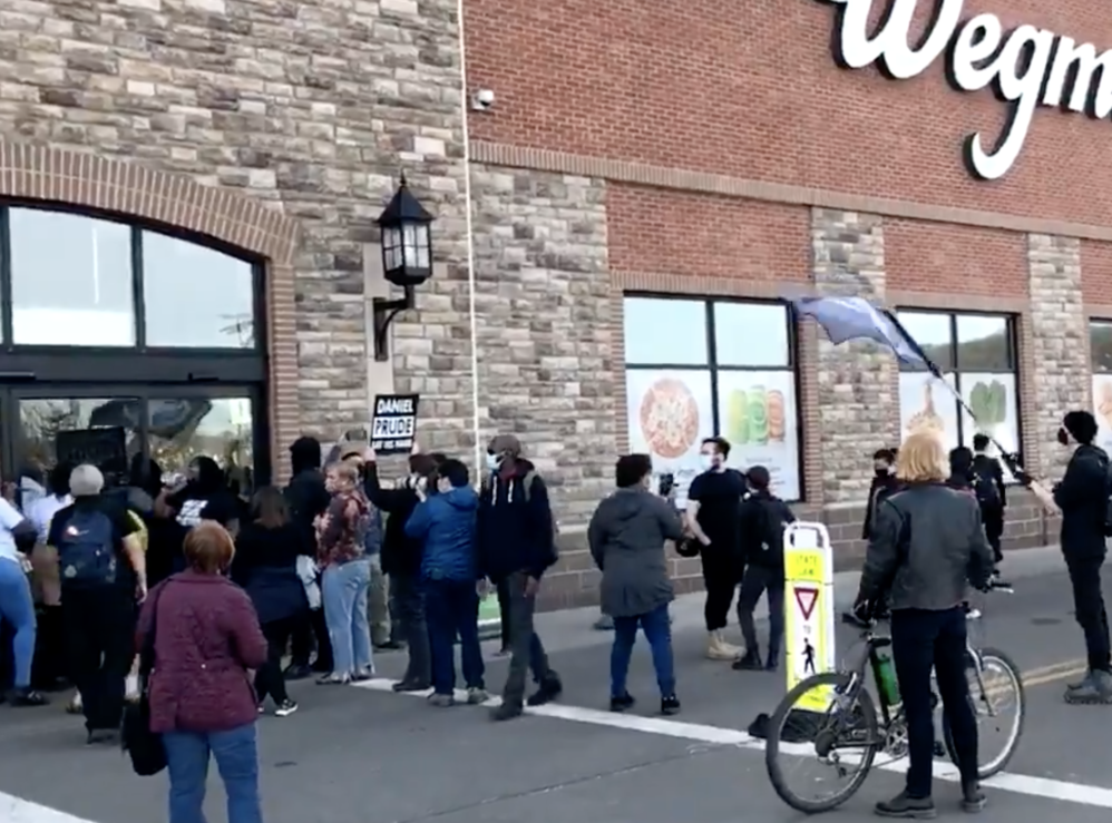 BLM Protestors Trap Customers Inside Grocery Store On Anniversary Of Daniel Prude's Death